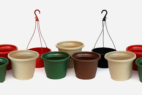 SHUTTLE™ Hanging Baskets, Planters, Bowls & Injection Molded Pots